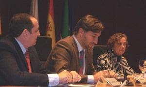 Mesa de ponentes con la presencia de Miguel Aranguren