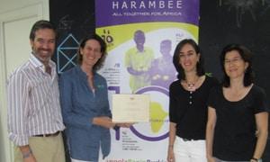 Entrega del Diploma a las Clínicas Moonz