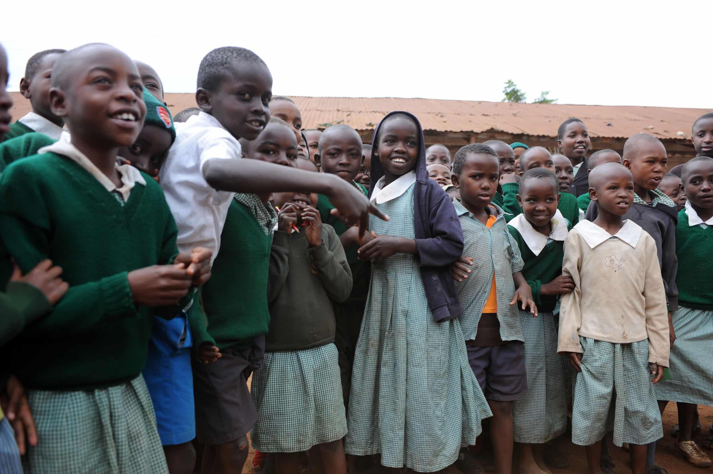 Mejora de la calidad y del rendimiento escolar en los distritos rurales de Les Hauts-Plateaux y Logone y Chari