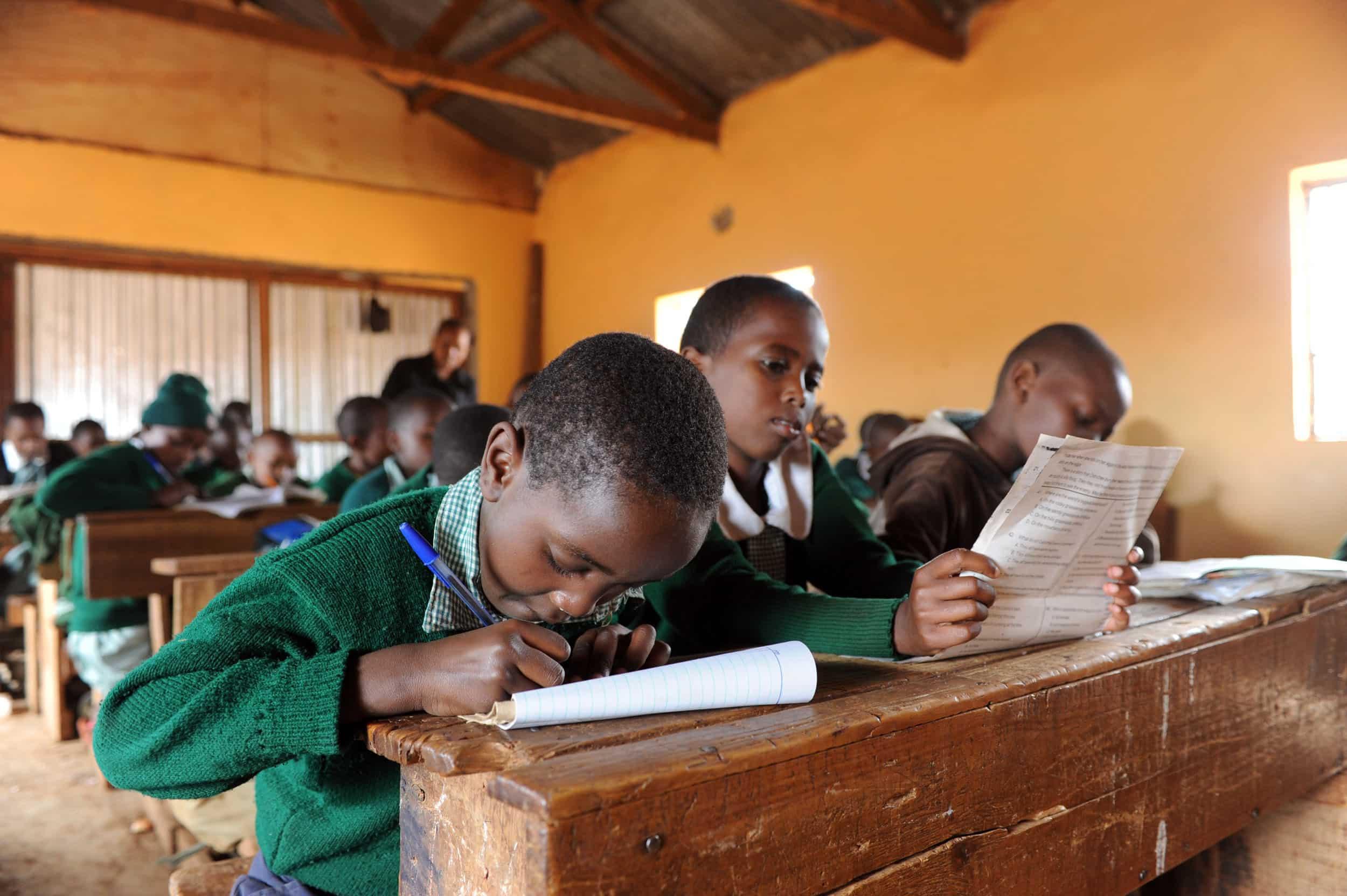 Proyecto para mejorar la formación profesional de jóvenes sin recursos