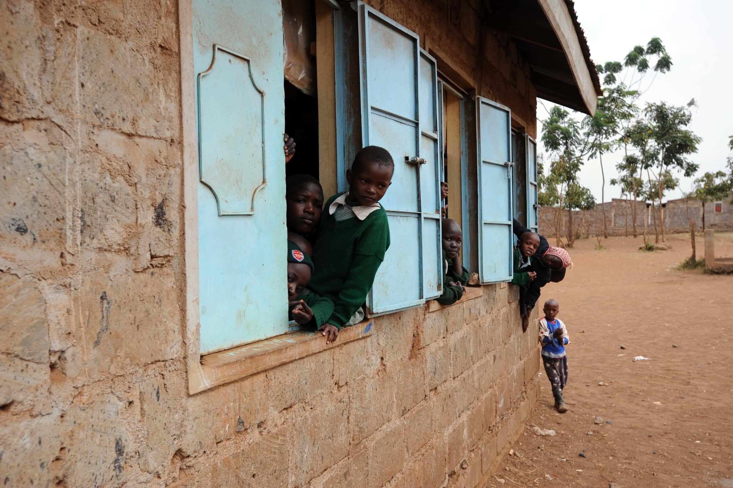 Sostenimiento de la puesta en marcha de una escuela media en Mitendi – Mont Ngafula