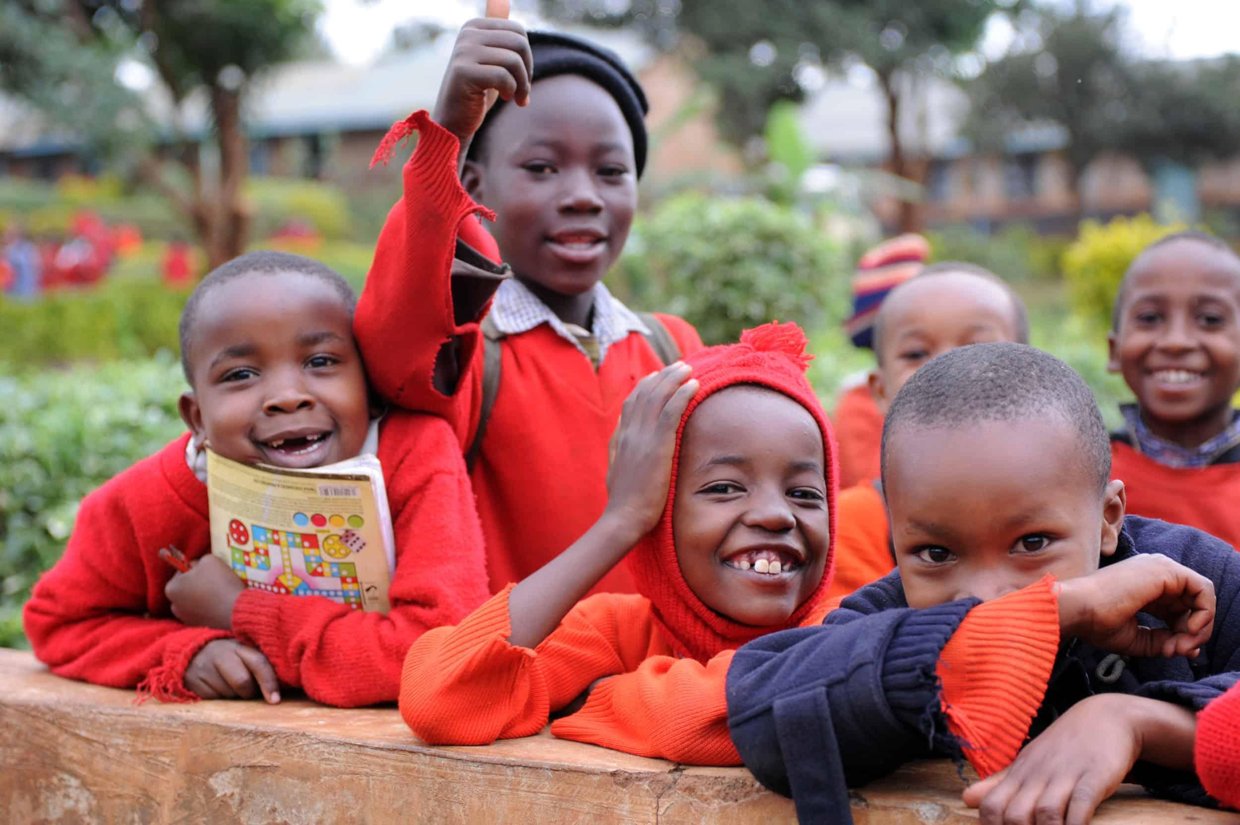 Ayuda para la puesta en marcha de dos escuelas