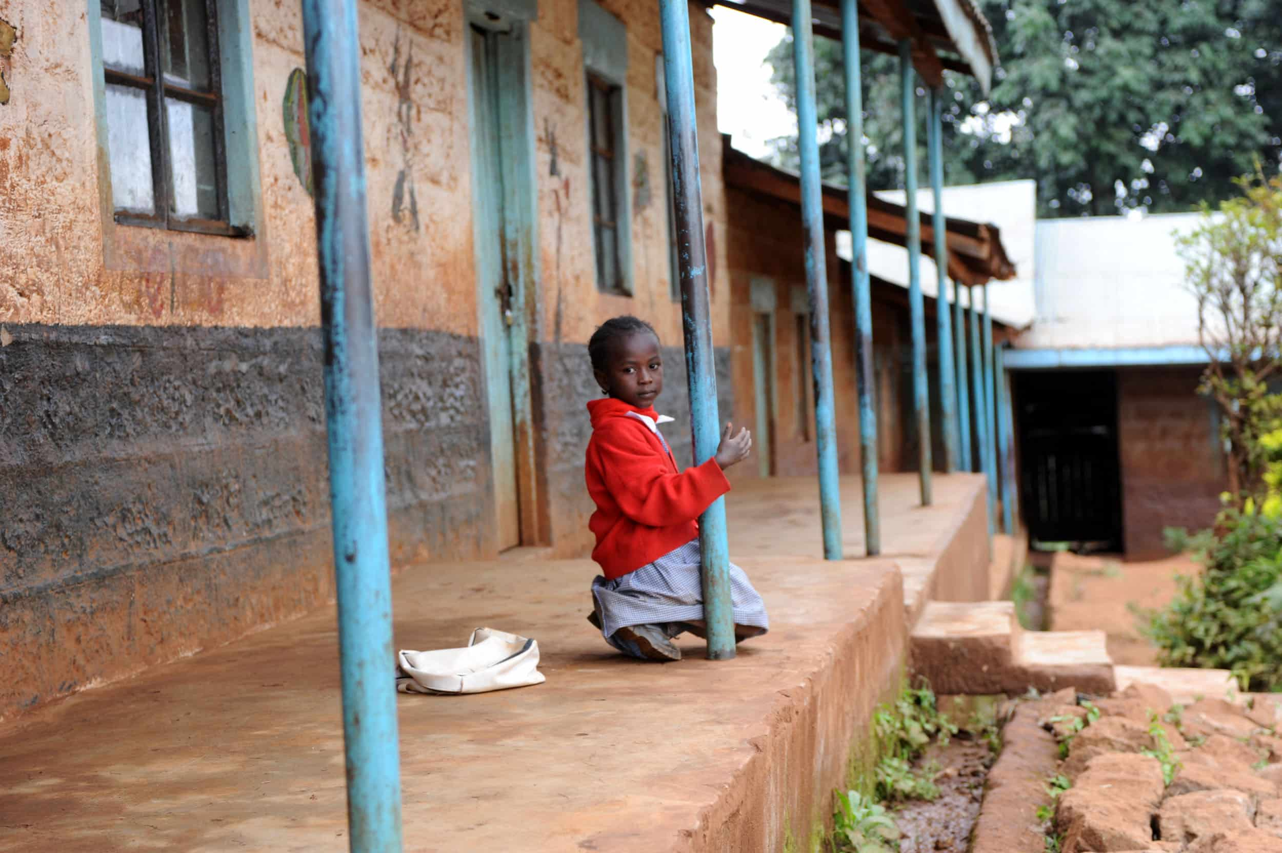 Mejora del acceso a la escolarización maternal y elemental de niños en situación de marginación, en Johannesburgo.