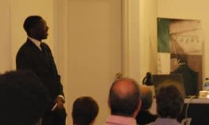 Reseña de la conferencia pronunciada por Tunji Adegbesan, el pasado día 30 de junio, en el Club Zayas