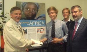 Asciende a 2.250 euros que irán destinados a paliar las necesidades de los niños afectados por la guerra en Costa de Marfil