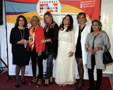 Voluntarios de Harambee en Valencia, modelos e invitadas
