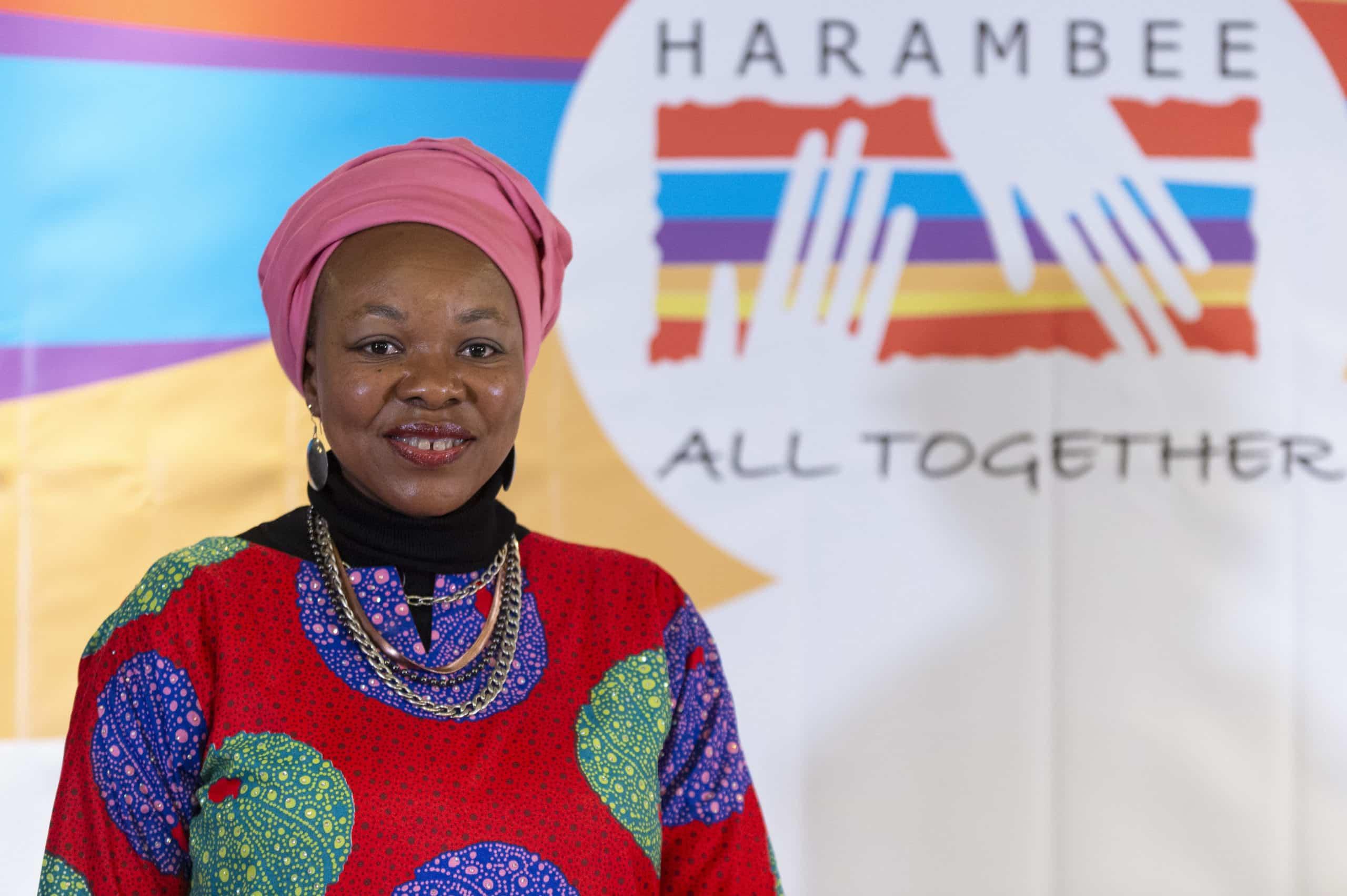 Entrega del Premio Harambee 2019 a la médico sudafricana, Ozo Ibeziako