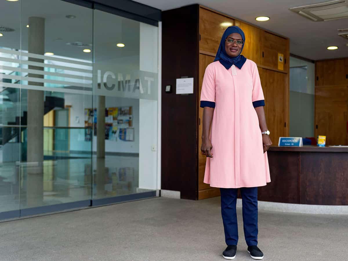 La científica senegalesa Coumba Niang investiga en el ICMAT con una Beca Guadalupe, de Harambee ONGD