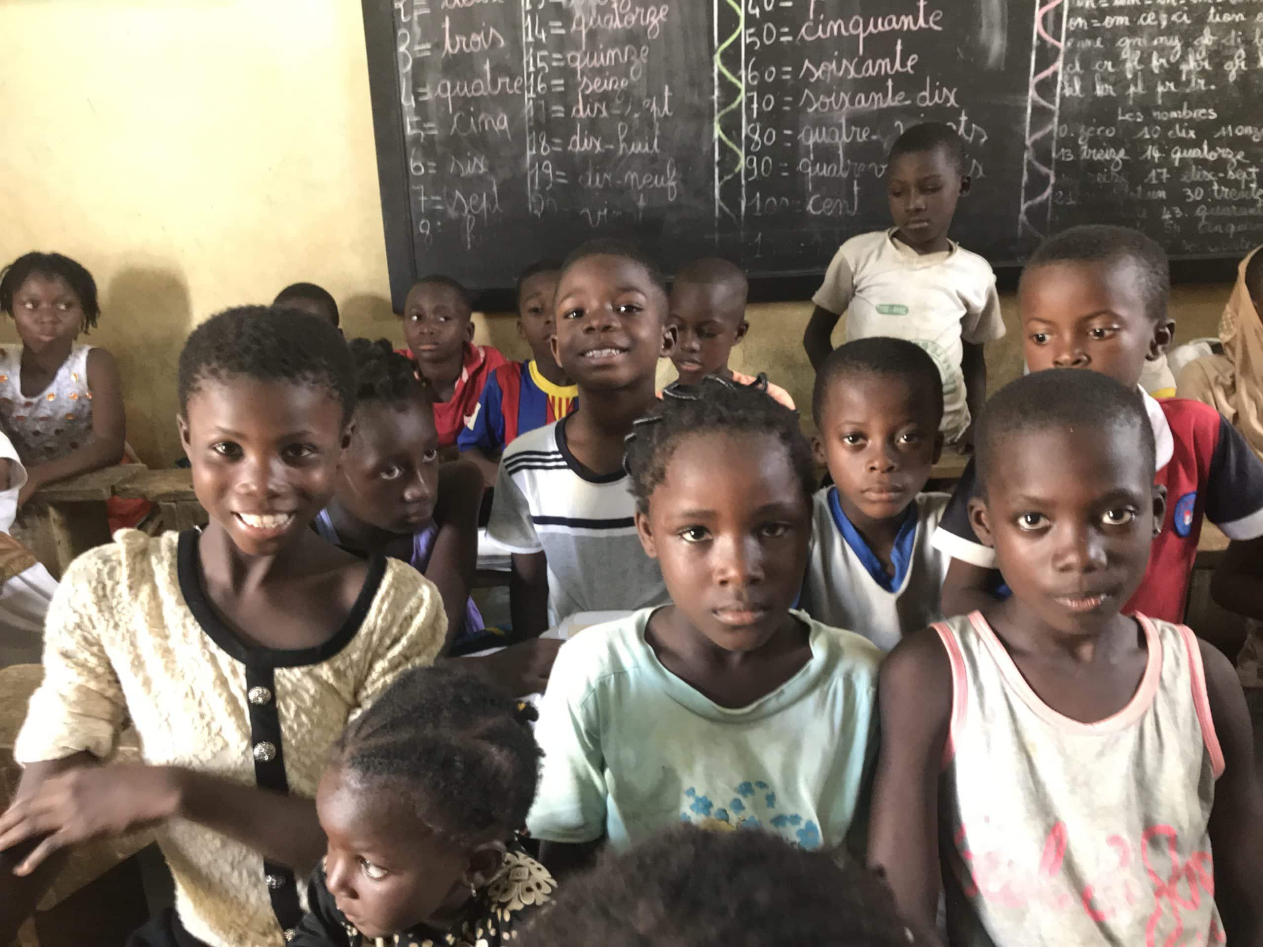 Cambiar el trabajo infantil de las niñas por educación
